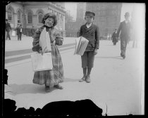 Image of Newsboy & girl - Negative, Glass-plate
