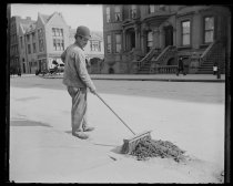 Image of Street sweeper (old style) - Negative, Glass-plate