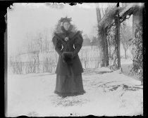 Image of [Alice Austen walking rig] - Negative, Glass-plate