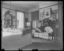 Image of Nellie bedroom - Negative, Glass-plate