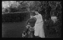 Image of [Bessie Strong and Alice Austen] - Negative, Glass-plate
