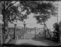 Image of Gate large, photo by Alice Austen, 1887