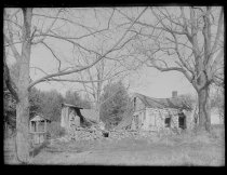 Image of Britton House ruins, photo by Alice Austen, 1890
