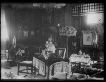 Image of Miss Hoyt's parlor, photo by Alice Austen, 1889