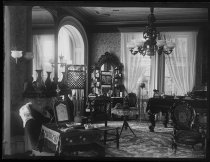 Image of Mrs. Marsh's parlor, photo by Alice Austen, 1888