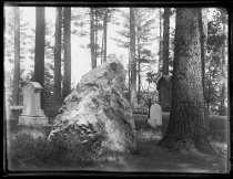 Image of R.W. Emersons grave - Negative, Glass-plate