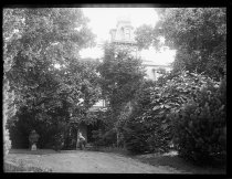 Image of Mrs. Strong's house from gate, photo by Alice Austen, 1890