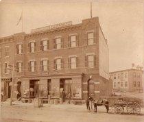 Image of Eduard Meurer's store at 164 Bay Street, Stapleton, Staten Island