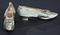 Image of shoes from Worth dress ensemble (C1.3305-C1.3306)