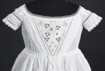 Image of detail of bodice