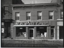 Image of H.B. Vitt Co. paint store, photo by Herbert A. Flamm, 1949