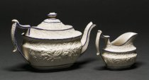 Image of Teapot with matching creamer F07.0568