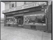 Image of Grant City Super Market, photo by Herbert A. Flamm, 1962