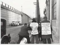 Image of Louis DeJonge & Co. strikers, photo by Herbert A. Flamm, 1947