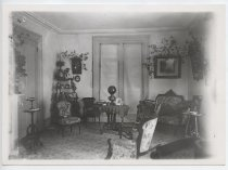 Image of Edwards-Barton House parlor, 1899, photo by Frank Barton