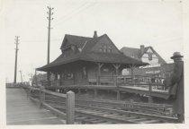 Image of New Dorp Railroad Station, photo by Raymond Fingado, 1942