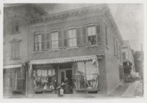 Image of Askel Isaacs' clothing store, photo by R.L. Wood, ca. 1890