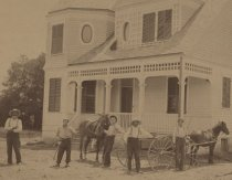 Image of House at Ross Avenue and 8th Street (detail showing workers)