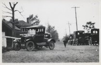 Image of Automobiles at New Dorp Beach, 1921