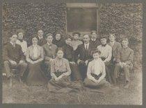 Image of Staten Island Academy graduating class, 1902