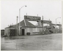 Image of [69th Street Ferry, Brooklyn Terminal, ferry house and office] - Print, Photographic