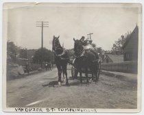 Image of Van Duzer St. Tompkinsville, ca. 1900