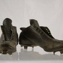 Image of Shoe, Baseball - 1987.032.01
