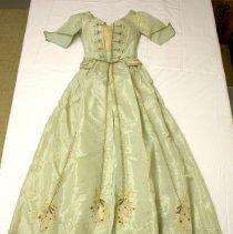Image of Dress - 1988.001.01