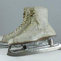 Image of Skate, Ice - 1985.064.02