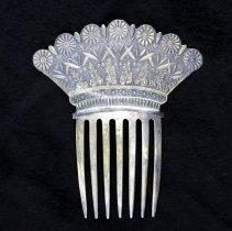 Image of Comb, Ornamental - 1980.011.02