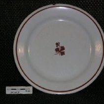 Image of 2005.1.126 - Plate, dinner