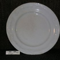 Image of 2005.1.145 - Plate, dinner