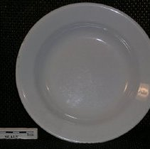 Image of 2005.1.152 - Plate, dinner