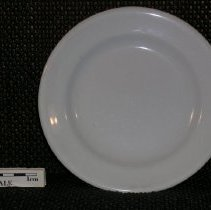 Image of 2005.1.154 - Saucer