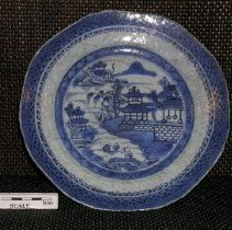Image of 2005.1.184 - Plate, dinner