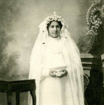 """Image of Print, Photographic - Copies: 1 ( 1 copy)   """"Miss Octavia Wilquit  First Holy Communion  St. Louis, Oregon  August 15, 1905 Courtesy Wilma Seitz - - - Born April 19, 1894 - - Picture by 'The Trover Cronise Studio - Salem, Ore."""" (back)"""