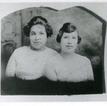 """Image of Print, Photographic - Copies: 1 (1 copy)  """"Grace Dumont (rt.) Sophie         """"     (left) - (Margaret Dumont)"""" (back)"""
