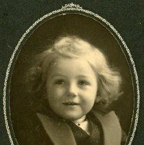 "Image of Print, Photographic - Copies: 1 (1 original on mat)  ""Mrs. W. R. McKay Newberg - Ore- Champoeuq Salmon Rd. 1 mi. so Champoeuq "" (back)"