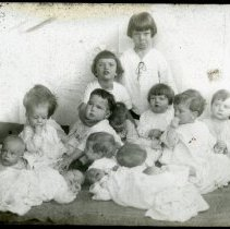 Image of All-Prayer Foundling's orphans - All-Prayer Foundlings Home Lantern Slide Collection