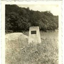 Image of John Hunt Morgan marker - Subject Photograph Collection