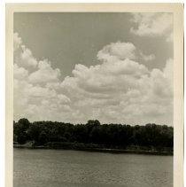 Image of Ohio River view from foot of Broadway, Louisville, Ky.  - Josephine Gertrude Simmons Collection