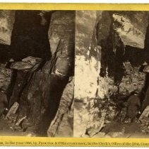 Image of Entrance to Long Route - Magnesium Light Views in Mammoth Cave