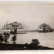 Image of Jeffersonville Cantilever  [012PC49.181]