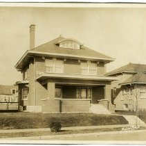 Image of R. L. Hawes Residence  - Arthur Raymond Smith Photograph Collection