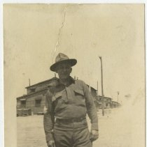 Image of Unidentified soldier - Subject Photograph Collection
