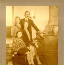 Image of Image of Fontaine Fox and family                                                                                                                                                                                                                               - Fontaine Talbot Fox, Jr. Photograph Collection