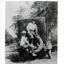 Image of Thornapple St., 1920 (2008.329.01)