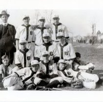 Image of Chevy Chase High School Baseball Team (2008.145.03)
