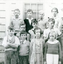 Image of 2008.140.09 - Group of Children, circa 1930's