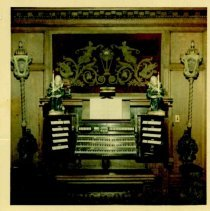 Image of Corby Mansion organ